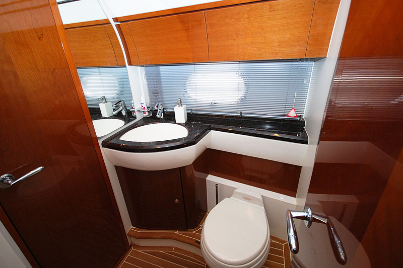 PRINCESS 61-4 CABINS-ATHENS-GREECE-optimal-rentals-yacht-booking15