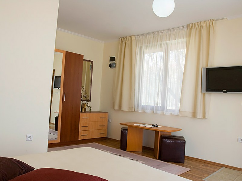 Villa-Sunny-Albena-Bulgaria-optimal-rentals-booking-28