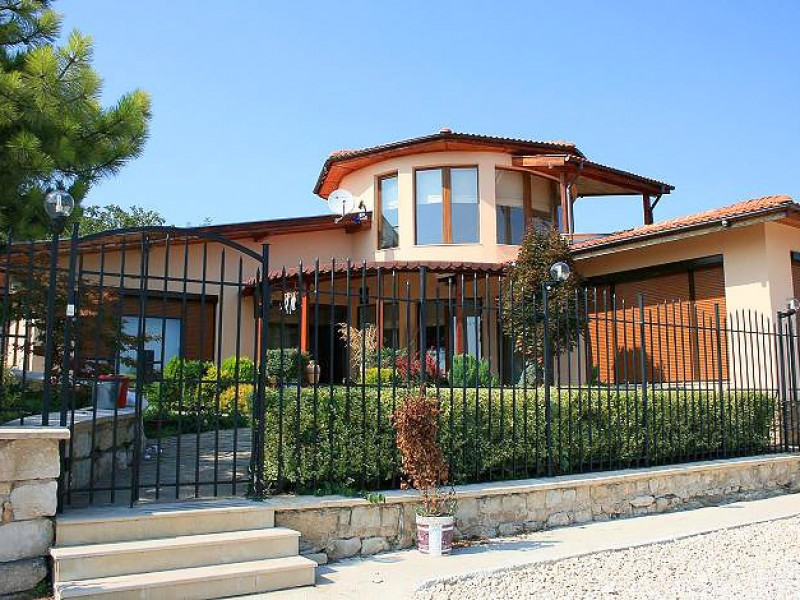 Villa-Sunny-Albena-Bulgaria-optimal-rentals-booking-34